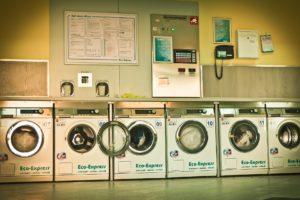 洗濯機が並ぶ画像