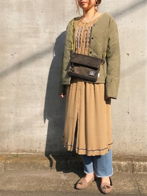 キルティングジャケット大人フェミニンコーデの参考画像