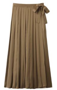 知らなくていいコトで吉高由里子が着用していたプリーツスカート衣装の画像