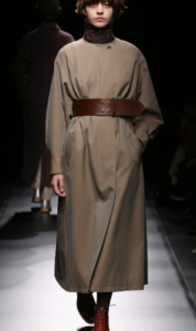 知らなくていいコトで吉高由里子が着用していたコート衣装のブランド画像