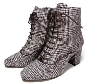 ランチ合コン探偵の山本美月が着用しているブーツ衣装のブランド参考画像