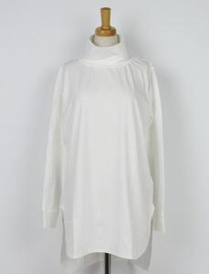知らなくていいコトで吉高由里子が着用していた白ハイネック衣装のブランド画像