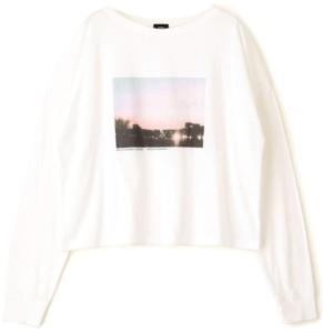 知らなくていいコトで吉高由里子が着用していたTシャツ衣装のブランド画像