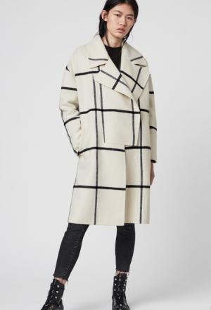 恋つづで香里奈が着用しているコート衣装ブランドの参考画像