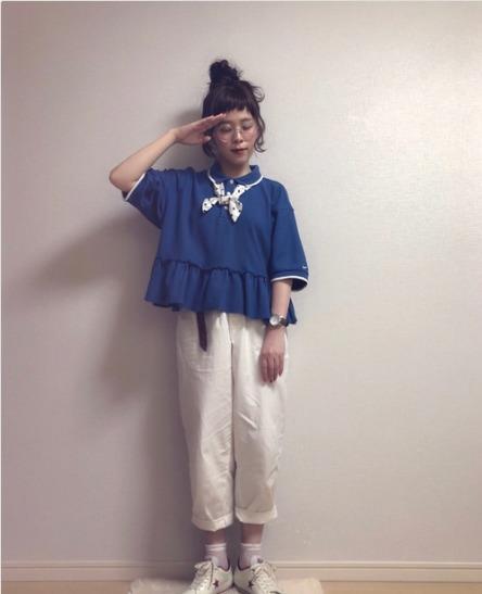 ポロシャツ青に関する参考画像