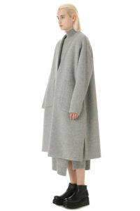 テセウスの船で上野樹里が着用していたコート衣装ブランドの参考画像