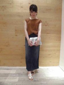 デニムタイトスカートに関する参考画像