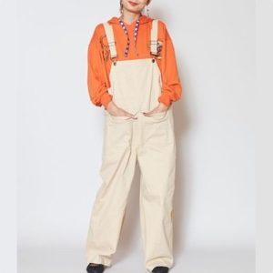 美食探偵明智五郎で小芝風花が着用しているサロペット チャイハネの参考画像