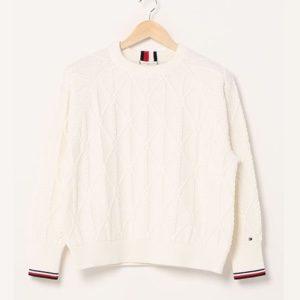 美食探偵明智五郎で小芝風花が着用しているセーターTOMMYHILFIGERの参考画像
