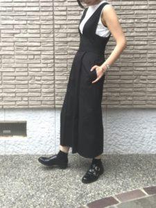 黒ジャンパースカートに関する参考画像