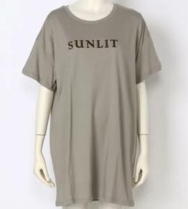 家政夫のミタゾノで飯豊まりえが着用していたビッグTシャツLPISREVICEの参考画像