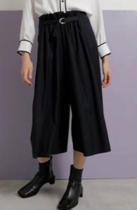 SUITSスーツ2で新木優子が着用していたパンツブランド参考画像