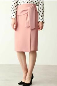 SUITSスーツ2で新木優子が着用していたスカートブランド参考画像