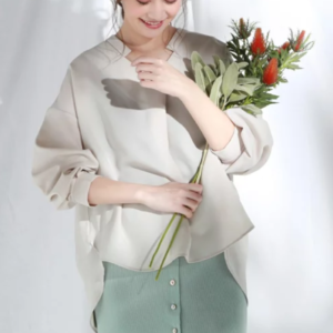 SUITSスーツ2で新木優子が着用していたブラウスブランド参考画像