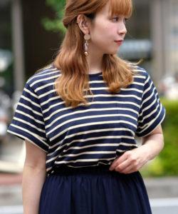 おカネの切れ目が恋のはじまり1話で松岡茉優が着用しているボーダーTシャツAndjの参考画像