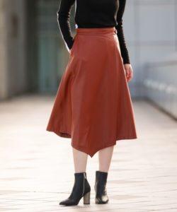 危険なビーナス1話で吉高由里子が着用しているアシンメトリースカートLOVELESSの参考画像