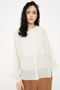 恋はDeepに8話で石原さとみの着用しているシャツHeRIN.CYEの参考画像