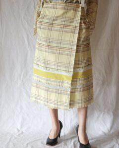 彼女はキレイだった8話で小芝風花が着用しているスカートAKANE UTSUNOMIYAの参考画像